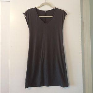 UNIQLO Minidress in grey. XS.